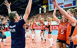 28-09-2015 NED: Volleyball European Championship Nederland - Italie, Apeldoorn<br /> Nederland verslaat Italie met klinkende cijfers 3-0