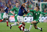 Fotball<br /> VM-kvalifisering<br /> Frankrike v Irland<br /> 9. oktober 2004<br /> Foto: Digitalsport<br /> NORWAY ONLY<br /> THIERRY HENRY (FRA) / KEVIN KILBANE (IRE)