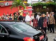 Staatsbezoek van Koning Willem Alexander en  Koningin Maxima aan Indonesie Dag 2 Java, Yogyaka Wandeling door Kampoeng Connected ///  State visit of King Willem Alexander and Queen Maxima to Indonesia Day 2 Java, Yogyaka Walk through Kampoeng Connected