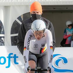 11-03-2021: Wielrennen: Healthy Ageing Tour: Lauwersoog. <br />Mieke Kroger