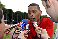 Fotball<br /> Frankrike<br /> Foto: Dppi/Digitalsport<br /> NORWAY ONLY<br /> <br /> FOOTBALL - FRENCH CHAMPIONSHIP 2008/2009 - PARIS SAINT GERMAIN - 02/07/2008 - GUILLAUME HOARAU (PSG NEW PLAYER) DURING THE INTERVIEW IN CAMP DES LOGES