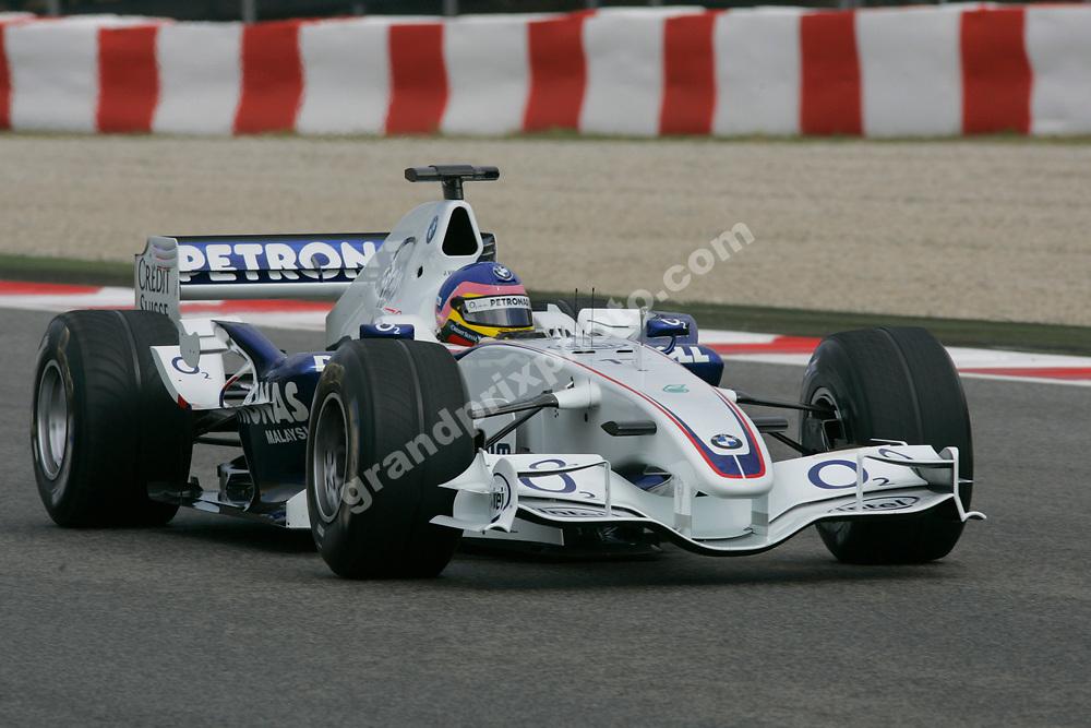 Jacques Villeneuve (BMW) in the 2006 Spanish Grand Prix at the Circuit de Catalunya outside Barcelona. Photo: Grand Prix Photo