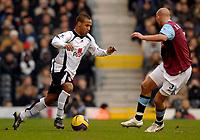 Photo: Alan Crowhurst.<br />Fulham v West Ham United. The Barclays Premiership. 23/12/2006. Fulham's Wayne Routledge (L) attacks.