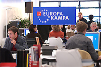 12 JAN 2004, BERLIN/GERMANY:<br /> SPD Europa Kampa, Wahlkampfzentrale fuer die Wahl des Europaeischen Parlamentes im Willy-Brandt-Haus<br /> IMAGE: 20040112-02-051
