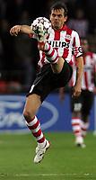 Photo: Paul Thomas.<br />PSV Eindhoven v Liverpool. UEFA Champions League, Quarter Final, 1st Leg. 03/04/2007.<br /><br />Phillip Cocu (L) of PSV.