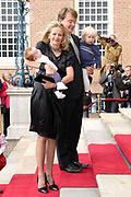 Prinses Leonore dochter , de jongste dochter van Prins Constantijn en  Prinses Laurentien is zondagochtend 8 oktober 2006 in  de kapel van Paleis Het Loo  in Apeldoorn gedoopt. / Princes Leonore, the jongest daughter of Prince Constantijn en Princes Laurentien, is baptist in Palace Het Loo in Apeldoorn.<br /> <br /> Op de foto / On the photo:  Prinses Mabel en prins Friso arriveren met hun kinderen Luana (r) en Zaria / Princes Mabel and Prince Friso with their children Luana (r) and Zaria
