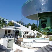 NLD/Eemnes/20060921 - Perspresentatie de Gouden Kooi, villa + zwembad, camera