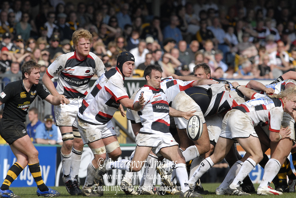 Wycombe, GREAT BRITAIN,  Saracen Neil DE KOCK, clearing a nd kicking from the scrum, during the Guinness Premieship match, London Wasps vs Saracens  at the Adams  Stadium, England, on Sun 08.04.2007  [Photo, Peter Spurrier/Intersport-images]
