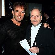 Uitreiking Populariteitsprijs 1998, Gerard Joling en Henk Geels initatiefnemer van de prijs