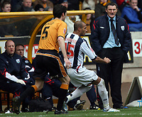 Photo: Rich Eaton.<br /> <br /> Wolverhampton Wanderers v West Bromwich Albion. The FA Cup. 28/01/2007. West Broms manager Tony Mowbray, right, watches his team win 3-0 away