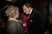DRUE HEINZ AND BARRY HUMPHRIES. The John Betjeman Variety Show, sponsored by Shell, in aid of Sane. In the Presnece of the Prince of Wales and the Duchess of Cornwall. Prince of Wales theatre. London. 10 September 2006. ONE TIME USE ONLY - DO NOT ARCHIVE  © Copyright Photograph by Dafydd Jones 66 Stockwell Park Rd. London SW9 0DA Tel 020 7733 0108 www.dafjones.com