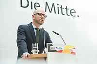 22 JUN 2017, BERLIN/GERMANY:<br /> Peter Tauber, CDU Generalsekretaer, stellt erste Plakate zur Bundestagswahl 2017 vor, Konrad-Adenauer-Haus<br /> IMAGE: 20170622-01-002<br /> KEYWORDS: Wahlkampf