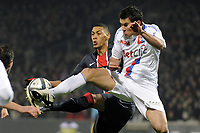 FOOTBALL - FRENCH CHAMPIONSHIP 2010/2011 - L1 - OLYMPIQUE LYONNAIS v PARIS SAINT GERMAIN - 28/11/2010 - PHOTO JEAN MARIE HERVIO / DPPI - GUILLAUME HOARAU (PSG) / DEJAN LOVREN (OL)