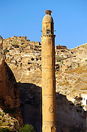 El Rizk Mosque – The Mosque was built in 1409 by the Ayyubid sultan Süleyman and stands on the bank of the Tigris River. It has Kufic incriptions & decorations. Hasankeyf, Turkey .<br /> <br /> If you prefer to buy from our ALAMY PHOTO LIBRARY  Collection visit : https://www.alamy.com/portfolio/paul-williams-funkystock/hasankeyf-turkey.html<br /> <br /> Visit our PHOTO COLLECTIONS OF TURKEY HISTOIC PLACES for more photos to download or buy as wall art prints https://funkystock.photoshelter.com/gallery-collection/Pictures-of-Turkey-Turkey-Photos-Images-Fotos/C0000U.hJWkZxAbg