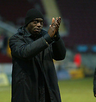 Photo: Aidan Ellis.<br /> Bradford City v Swindon Town. Coca Cola League 1. 11/02/2006.<br /> Swindon boss Iffy Onoura applauds the fans at the end