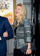 26- 9 2015 AMSTERDAM - Princess Mabel and bernard en annette  Queen Maxima and King Willem alexander arrive at Carre for the celebration for 200 years kingdom in the netherlands AMSTERDAM - Koning Willem Alexander en koningin Maxima zijn aanwezig bij de slotviering van 200 jaar Koninkrijk der Nederlanden in theater Carre. De twee jaar durende viering wordt afgesloten met een avond vol optredens met prinses  beatrix .  COPYRIGHT ROBIN UTRECHT