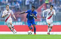 v.l. Christopher Buchtmann (St. Pauli), Boubacar Barry, Kyoung Rok Choi<br /> Karlsruhe, 18.09.2016, Fussball, 2. Bundesliga, Karlsruher SC - FC St. Pauli 1:1<br /> Norway only
