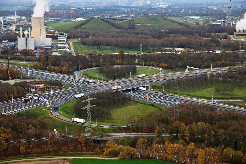 Nederland, Limburg, Geleen, 15-11-2010; Knooppunt Kerensheide (A76 - A2).QQQ.luchtfoto (toeslag), aerial photo (additional fee required).foto/photo Siebe Swart