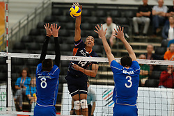 20170524 NED: 2018 FIVB Volleyball World Championship qualification, Koog aan de Zaan<br />Nimir Abdelaziz (14) of The Netherlands <br />©2017-FotoHoogendoorn.nl / Pim Waslander