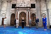 Prinses Beatrix reikt Zilveren Anjers 2021 uit