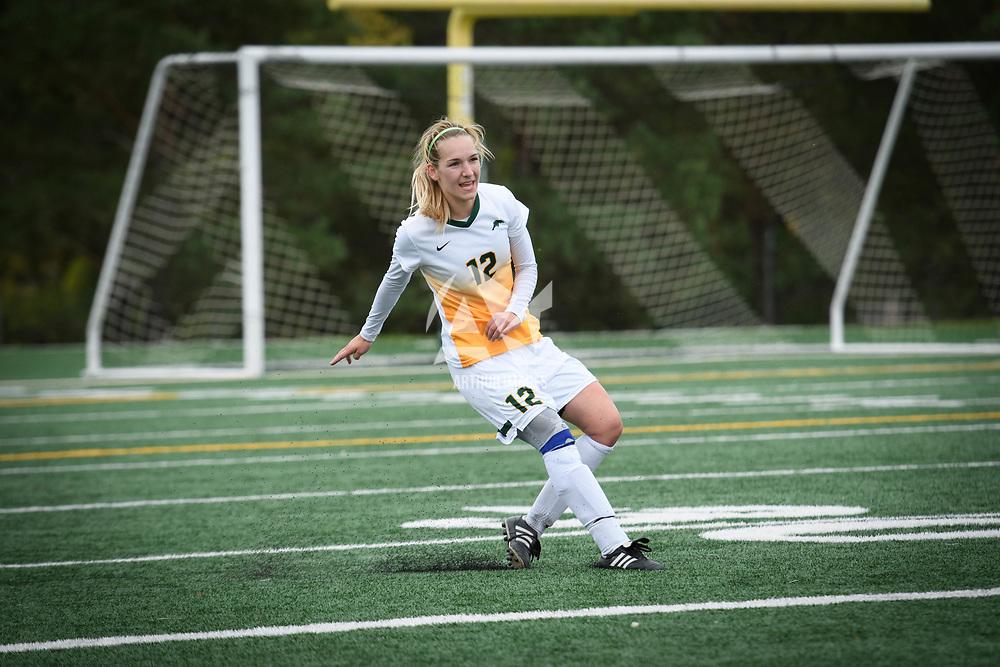 2nd year defender Lauren Petras (12) of the Regina Cougars during the Women's Soccer Homeopener on September 16 at U of R Field. Credit: Arthur Ward/Arthur Images