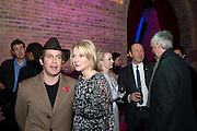TOM HOLLANDER; LISA DILLON; FIONA GLASCOTT; KEVIN SPACEY; JONATHAN PRYCE, Party after the opening of 'Flea in her Ear' . The Old Vic. ( John Mortimer write the translation of theplay.) Vinioplois. 14 December 2010. DO NOT ARCHIVE-© Copyright Photograph by Dafydd Jones. 248 Clapham Rd. London SW9 0PZ. Tel 0207 820 0771. www.dafjones.com.