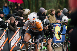 Roxane Knetemann approaches the top of the Kemmelberg for the second time.