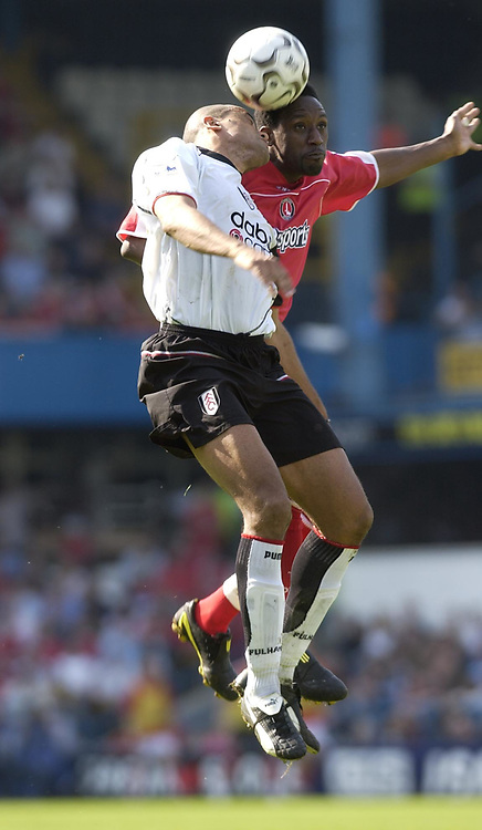 Foto: Digitalsport<br /> NORWAY ONLY<br /> Picture: Henry Browne.<br /> Date: 24/04/2004.<br /> Fulham v Charlton Athletic FA Barclaycard Premiership.<br /> <br /> <br /> Jason Euell of Charlton beats Alain Goma of Fulham in the air.