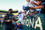 January 31 2016: Team Irvin Michael Bennett signs autographs after the Pro Bowl at Aloha Stadium on Oahu, HI. (Photo by Aric Becker/Icon Sportswire)