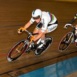 20-12-2015: Wielrennen: NK Baan: Alkmaar<br />ALKMAAR (NED) baanwielrennen  <br />Kirsten Wild had niet de benen tijdens het NK Scratch en moest Amy Pieters (in het wiel) de titel laten