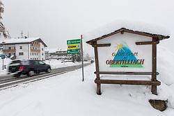 THEMENBILD - Ortseinfahrt Obertilliach an der Gailtalbundesstrasse B311, aufgenommen am Dienstag, 12. November 2019, in Obertilliach in Osttirol. Heute schneit es in Österreich verbreitet bis in tiefe Lagen. Ein Teil des Schneefalls konzentriert sich dabei auf Osttirol. Hier kommen laut ZAMG bis Mittwochabend selbst in Tallagen 20 bis 50 Zentimeter Neuschnee zusammen. Vereinzelt sind auch bis zu 75 Zentimeter möglich, wie im Tiroler Gailtal // Entrance Obertilliach on the Gailtal federal road B311, taken on Tuesday, November 12, 2019, in Obertilliach in Osttirol. Today it is snowing in Austria to low altitudes. Part of the snowfall is concentrated on East Tyrol. According to ZAMG, 20 to 50 centimeters of fresh snow come together here even in valleys on Wednesday evening. Occasionally, up to 75 centimeters are possible, as in the Tyrolean Gail Valley. EXPA Pictures © 2019, PhotoCredit: EXPA/ Johann Groder