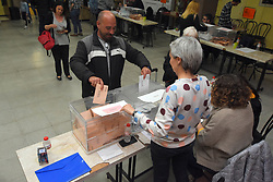 April 28, 2019 - El Vendrell, Spain - A man seen casting his vote at a polling station during the Spanish general elections in El Vendrell Tarragona, Catalonia. (Credit Image: © Ramon Costa/SOPA Images via ZUMA Wire)