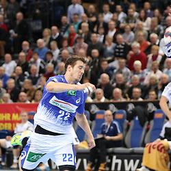 Kiel, 23.12.14, Sport, Handball, Bundesliga, Saison 2014/15, 19. Spieltag, THW Kiel - HSV Handball : Kentin Mahé (HSV Handball, #22) scheitert an Andreas Palicka (THW Kiel, #12)<br /> <br /> Foto © P-I-X.org *** Foto ist honorarpflichtig! *** Auf Anfrage in hoeherer Qualitaet/Aufloesung. Belegexemplar erbeten. Veroeffentlichung ausschliesslich fuer journalistisch-publizistische Zwecke. For editorial use only.