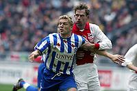 Fotball. Nederlandsk liga 17.03.2002. Ajax v Heerenveen 2-0. Andre Bergdølmo og Markus Allbäck.<br />Foto: Stanley Gontha, Digitalsport