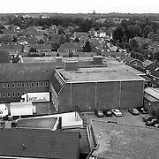 NLD/Huizen/19920622 - Huizen gezien vanaf de Oude Kerk overzicht, kaaspakhuis aan de Keucheniusstraat