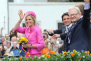 Koninginnedag 2008 / Queensday 2008. <br /> <br /> Koningin Beatrix viert Koninginnedag dit jaar in Friesland. De vorstin en haar familie bezochten op 30 april Makkum en Franeker.<br /> <br /> Queen Beatrix celebrates Queensday this year in Friesland (the Nothren provice in Holland). The Queen and its family visited Makkum and Franeker on 30 April.<br /> <br /> Op de foto/ On the Photo: Princes Maxima and Pieter van Vollenhoven