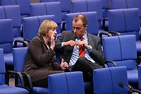 04 JUL 2002, BERLIN/GERMANY:<br /> Angela Merkel, CDU Bundesvorsitzende, und friedrich Merz, CDu, CDU/CSU Fraktionsvorsitzender, im Gespraech, Bundestagsdebatte zur Lage der Wirtschaft in Deutschland, Plenum, Deutscher Bundestag<br /> IMAGE: 20020704-01-063<br /> KEYWORDS: Gespräch