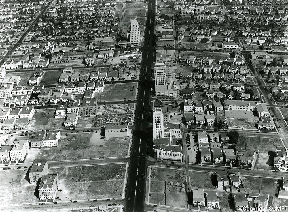 1930 Aerial photo looking east on Wilshire Blvd. towards Fairfax Ave.