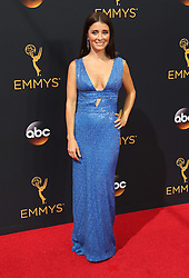 Shiri Appleby  bei der Verleihung der 68. Primetime Emmy Awards in Los Angeles / 180916<br /> <br /> *** 68th Primetime Emmy Awards in Los Angeles, California on September 18th, 2016***