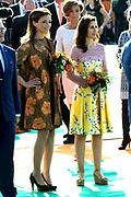 Koningsdag 2014 in de Rijp, het vieren van de verjaardag van de koning. / Kingsday 2014 in the Rijp , celebrating the birthday of the King. <br /> <br /> <br /> Op de foto / On the photo:   Prinses Anita en Prinses Aimee / Princess Anita and Princess Aimee