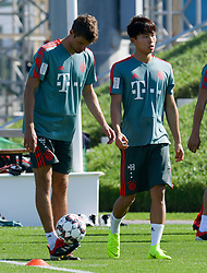 Bayern Munich's Thomas Mueller(L) take part in the  winter training camp at the Aspire Academy of Sports Excellence in the Qatari capital Doha on January. 05, 2019. FC Bayern Munich will stay in the Doha until10 January 2019 (X?inhua/Nikku) (Credit Image: © Nikku/Xinhua via ZUMA Wire)