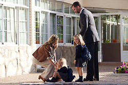 15.09.2010, Santa Maria de los Rosales, MADRID, ESP, Prince and Princess of Asturias take daughters to school, Crown Prince Felipe and Princess Letizia take their daughters Princess Leonor and Princess Sofia to Santa Maria de los Rosales School. EXPA Pictures © 2010, PhotoCredit: EXPA/ Alterphotos/ Cesar Cebolla +++++ ATTENTION - OUT OF SPAIN / ESP +++++