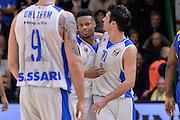 DESCRIZIONE : Eurolega Euroleague 2015/16 Group D Dinamo Banco di Sardegna Sassari - Maccabi Fox Tel Aviv<br /> GIOCATORE : MarQuez Haynes Lorenzo D'Ercole<br /> CATEGORIA : Ritratto Esultanza Fair Play<br /> SQUADRA : Dinamo Banco di Sardegna Sassari<br /> EVENTO : Eurolega Euroleague 2015/2016<br /> GARA : Dinamo Banco di Sardegna Sassari - Maccabi Fox Tel Aviv<br /> DATA : 03/12/2015<br /> SPORT : Pallacanestro <br /> AUTORE : Agenzia Ciamillo-Castoria/L.Canu
