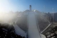 Hopp , 3. mars 2011 , Holmenkollen, stor bakke ,<br /> illustrasjon bakke , tåke og sol<br /> <br /> Norway only