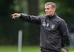 Assistenttræner Mikkel Thygesen (FC Helsingør) under kampen i Sydbank Pokalen, 1. runde, mellem Bispebjerg Boldklub og FC Helsingør den 2. september 2020 i Lersø Parken (Foto: Claus Birch).