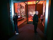 """Ausstellungsfläche mit Dokumenten aus dem 2. Weltkrieg im Museum des Großen Vaterländischen Krieges in Moskau. Das Museum befindet sich auf dem Berg """"Poklonnaja Gora"""".<br /> <br /> Exhibition space with documentation from WW II in the Museum of the Great Patriotic War in Moscow at Poklonnaya Gora (Bowing Hill)."""