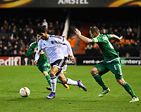 Valencia's Andre Gomes   and Rapid Wien's  Mario Sonnleitner during Uefa Europa League match. February 18, 2016. (ALTERPHOTOS/Javier Comos)