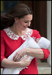 April 23, 2018 - London, London, United Kingdom - Image licensed to i-Images Picture Agency. 23/04/2018. London, United Kingdom.  The Duchess of Cambridge with her new baby boy outside  the Lindo Wing of St.Mary's hospital in London  (Credit Image: © Stephen Lock/i-Images via ZUMA Press)