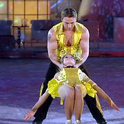 NLD/Hilversum/20070309 - 9e Live uitzending SBS Sterrendansen op het IJs 2007, Sita Vermeulen en schaatspartner Slawomir Borowiecki