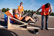 In Lelystad rijdt het HPT voor het eerst met de VeloX V. De eerste testen zijn succesvol. In september wil het Human Power Team Delft en Amsterdam, dat bestaat uit studenten van de TU Delft en de VU Amsterdam, een poging doen het wereldrecord snelfietsen te verbreken, dat nu op 133,8 km/h staat tijdens de World Human Powered Speed Challenge.<br /> <br /> For the first time the VeloX V rides successful. With the special recumbent bike the Human Power Team Delft and Amsterdam, consisting of students of the TU Delft and the VU Amsterdam, also wants to set a new world record cycling in September at the World Human Powered Speed Challenge. The current speed record is 133,8 km/h.